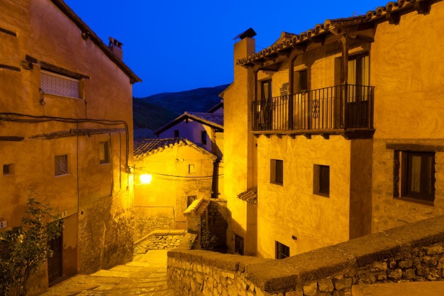 view-spanish-town-night-albarracin_1398-3976